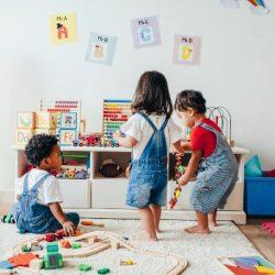 תרומת ההורים לטיפוח כשירותם החברתית של ילדיהם הצעירים