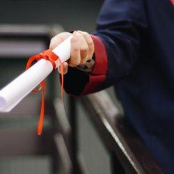 חוק הפיקוח על מעונות היום-צעד חשוב אבל  לא מספיק-לדרוש מהמחנכות הכשרה של גננת מוסמכת בכירה
