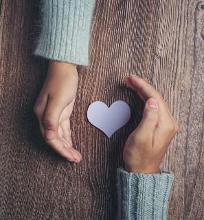 You are currently viewing על אמפתיה וחמלה ודרכי טיפוחן במפגשים פנים-אל-פנים בגיל הרך ובכלל!