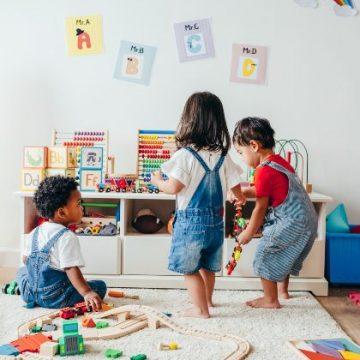 המיוחד בכניסת פעוטות (בני שנה עד שלוש שנים) למסגרת חינוך חדשה: הכנה והיערכות